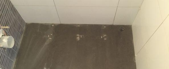 Toilet vervangen en betegeld 5 foto 1