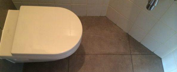 Toilet vervangen en betegeld september 2016 foto 1